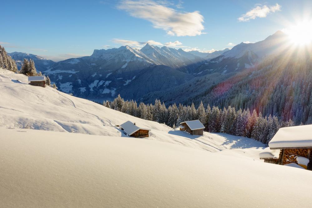 Italien: Suedtirol - Winter - Schnee - Hütte