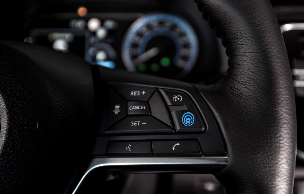 Nissan - Lenkrad - Tempomat