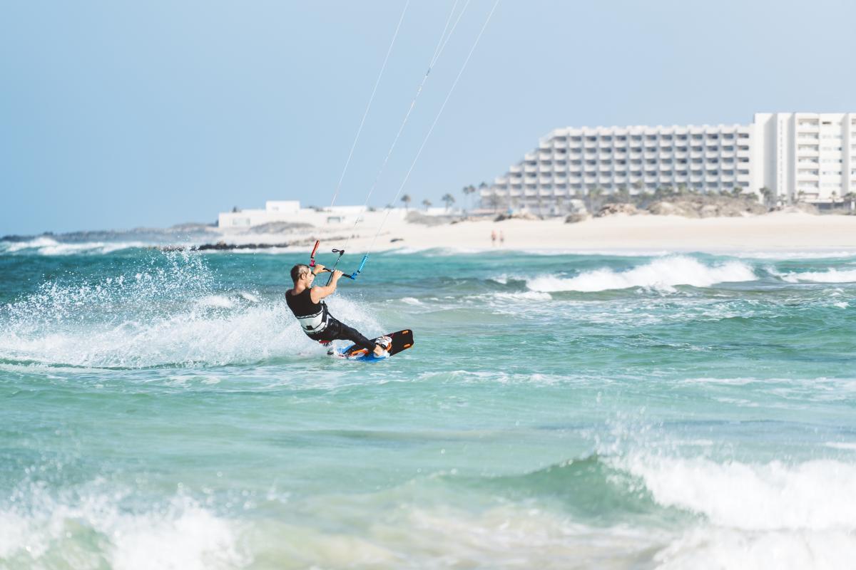 03 Surfen Fuerteventura GettyImages-831063856