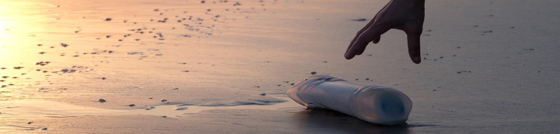 Sonstiges: Strand Plastikmüll