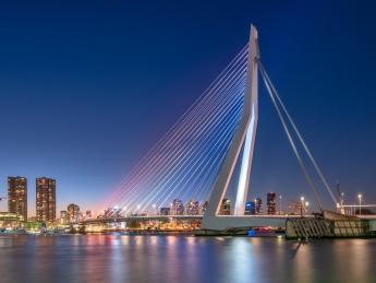 7668+Niederlande+Rotterdam+Erasmusbrücke+GI-984342974