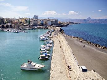 1710+Griechenland+Kreta+Heraklion+venezianischer_Hafen+GI-941451396