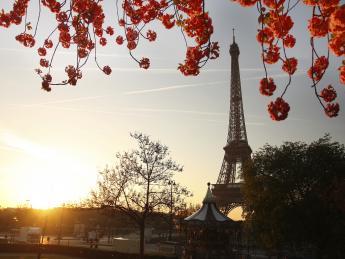 Eiffelturm bei Sonnenaufgang - Paris
