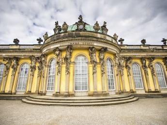 8675+Deutschland+Potsdam+Schloss_Sanssouci+TS_462907647