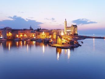 3292+Italien+Apulien+Bari+Kathedrale_von_Trani+TS_186991310