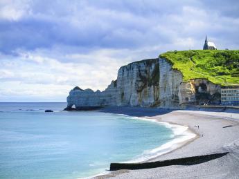 5530+Frankreich+Normandie_&_Hauts-de-France+Etretat_cliff+GI_478159321