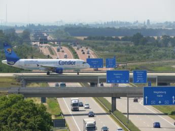 Rollbrücke - Flughafen Leipzig