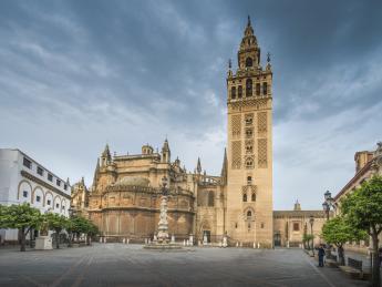 1015+Spanien+Andalusien+Sevilla+Giralda+GI-657157582