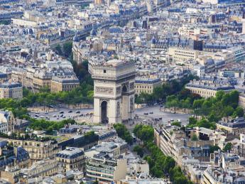 5451+Frankreich+Paris+Champs-Elysee+GI-832534770