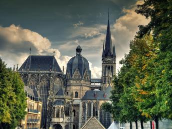 7994+Deutschland+Aachen+Aachener_Dom+GI-547549636