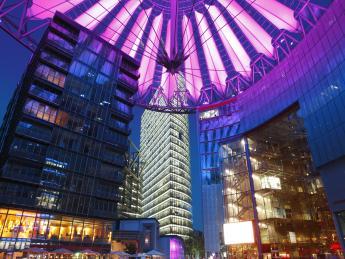8734+Deutschland+Berlin+Sony_Center+GI-175429488