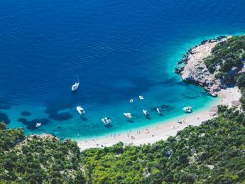 9623+Kroatien+Insel_Cres+Lubenice_Beach+GI-517453997