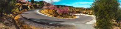 Titelbild Die 10 schönsten Straßen der Welt für eine atemberaubende Mietwagen Rundreise