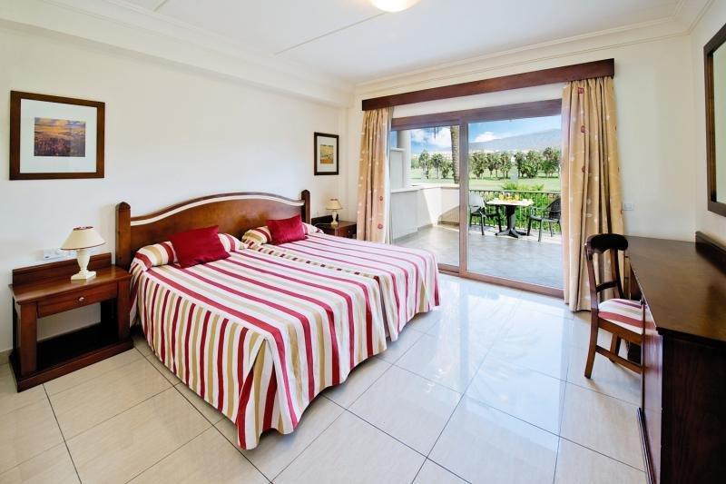 hotel marylanza suites spa in playa de las americas. Black Bedroom Furniture Sets. Home Design Ideas
